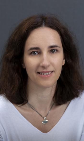 Dr. Borbála Simonovits