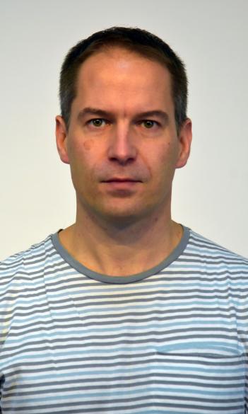 Dr. Péter Krekó