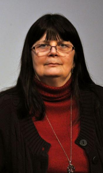 Dr. Katalin Simon