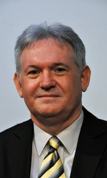 Dr. Béla Molnár