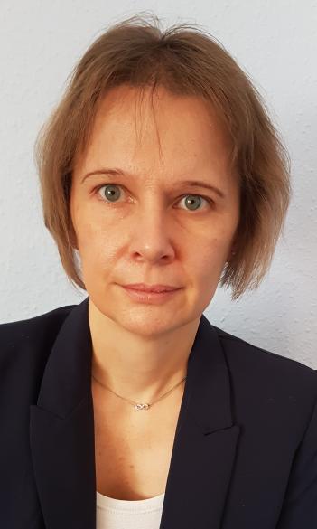 Dr. Krisztina Tóth