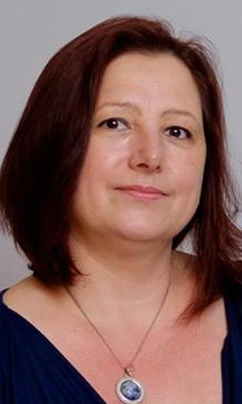 Dr. Zita Juhász