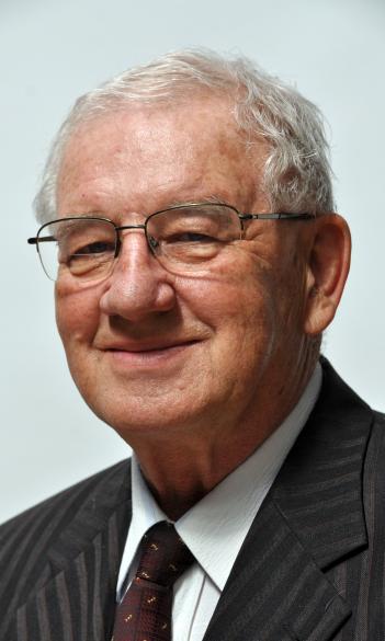 Dr. László Gál